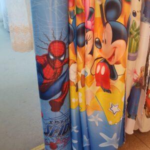Draperii pentru camera copiilor cu personaje din desene animate