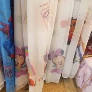Perdele pentru camera copiilor cu personaje din desene animate
